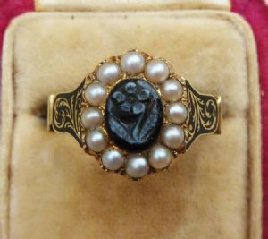 Early Victorian 18ct enamelled sardonyx natural pearls memorial ring